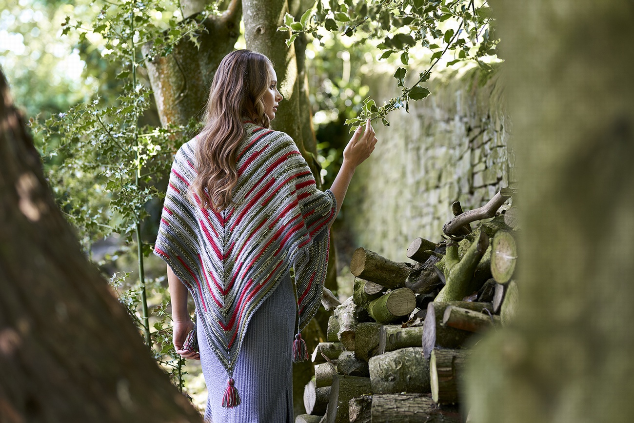West Yorkshire Spinners - Holly Berry Shawl Kit